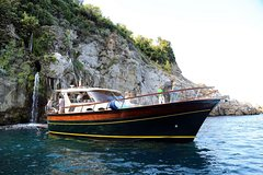 Capri Private Boat Tour from Sorrento, Positano or Naples - Gozzo F.lli Apr