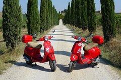 San Gimignano Vespa tour - 1 vespa for 2 people