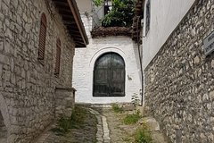 Historical tour of Berat - Walking tour and taste a special desert