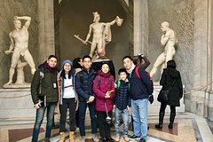 Skip-the-line Vatican Tour with Michelangelo Sistine Chapel & St Peters