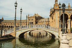 Imagen 4-Hour Private Guided Walking Tour in Seville