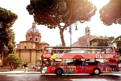Flexible Skip-The-Line Ancient Roman Forum Guided Tour & Sightseeing Bus Pass
