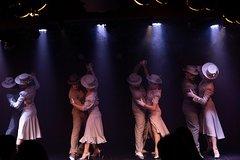 Imagen Shore Excursion: 'Rojo Tango Show' Including Private Transfers
