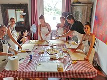 Shop, cook & eat with a Roman Chef