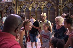 Imagen 2-Hour Family Tour of Notre Dame and the Sainte Chapelle