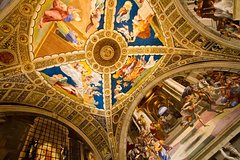 Complete Vatican Tour with Museums, Sistine Chapel, and St. Peters Basilica