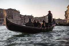 Discovering Venetian Waterways by Gondola