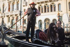 Grand Canal by Gondola with singers & dinner- No queue - with commentary