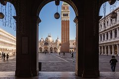 St. Mark's Basilica Guided Tour with Optional Gondola Ride