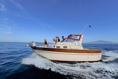 Capri Private Boat Tour from Sorrento, Positano or Naples - Gozzo Jeranto 750