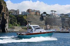 Capri Private Boat Tour from Sorrento, Positano or Naples - Gozzo Jeranto 950