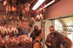 Walk the Saturday Market & Organic food guided-tasting