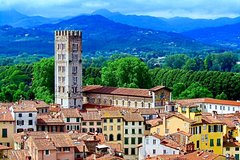 Look at Lucca: Walking Tour and Exploration of Lucca