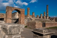 Pompeii and Vesuvius: Full day tour with tickets included