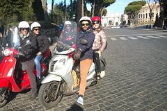 ROME-VESPA TOUR WITH AN ARCHITECT - TOUR EN VESPA WITH ARQUITECTO