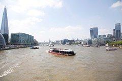 Imagen Cutty Sark et croisière touristique sur la Tamise à Londres