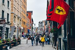 Explore the Best of Old Montreal - Private Walking Tour with a Local