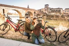 Photo Cycling Tour in Verona