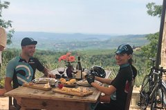 BIKE STATION VALPOLICELLA: E-bike tour & Amarone tasting
