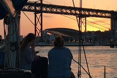 Imagen Lisbon Sunset Sensations Sailing Tour