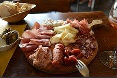 Gourmet aperitif at the Salumeria in Siena
