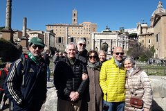 Fast Access Guided Tour of the Colosseum, Forum, Palatine Hill & Ancien