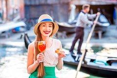 Rialto + Gondola + Vino & Cicchetti market in the most famous Venice bacari.