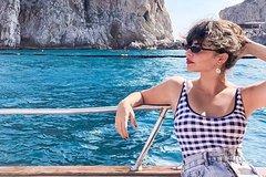 Capri excursion in a private boat