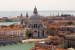 Walk, gondola, food, and breathtaking views - Enjoy the real Venice!