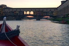 Romantic evening cruise on the Arno with Tuscan picnic