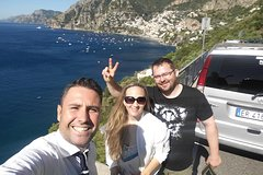 Transfer from Naples to Positano with stop on the way in Pompeii 2h