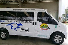 Imagen The best private airport pick up service in Medellin for you and your group!