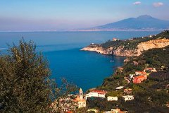 Private Transfer from Massa Lubrense to Naples Airport, train Stations or H