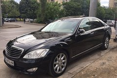 Imagen Pemium luxury car with personal chauffeur for 8 hours