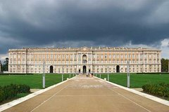 Transfer from Naples to Caserta with stop at Royal Palace