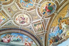 Skip-the-line Vatican Tour with Sistine Chapel Raphael Rooms & St Peter