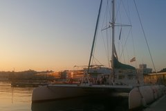 Imagen Valencia Sunset Cruise with Dinner at the Beach