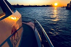 Spritz at Sunset on boat: panoramic tour in the lagoon