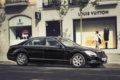 Imagen Arrival Private Transfer: Milan MXP Airport to Milan City by Luxury Car
