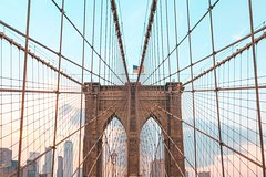 Secrets of the Brooklyn Bridge Walking Tour