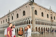 Expert-Led Private Tour of the Doge's Palace in Venice