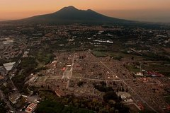 Discover Pompeii and Vesuvius on a FD day trip from Pompeii