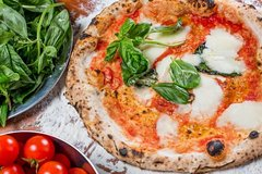 PIZZA & GELATO: Cooking Class in central Florence