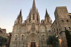 Gothic Quarter and Sagrada Familia Private Tour Skip the Line Tickets included