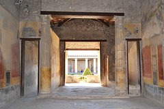 Best of Ancient Roman Cities Tour in 1 Day: Visit Pompeii Oplontis & Herculaneum