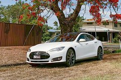 Private Transfer in Tesla: Cairns Hotel to Airport