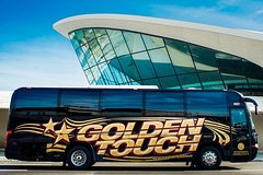 Luxury Coach Bus Private Group Departure Transfer: Manhattan Hotels to NYC Airports