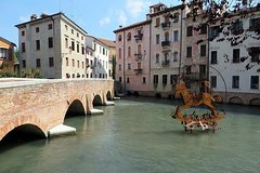 Tour of Treviso Must-See Sites with Local Guide & Prosecco Wine Tasting