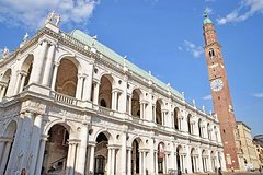 Vicenza City Sightseeing Walking Tour of Must-See Sites With a Local Guide