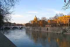 A Stroll Through Trastevere: Street-Life Walking Tour